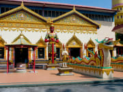 wat chaiya mangkalaram temple entrance