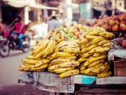 bananas and apples sold in cebu market