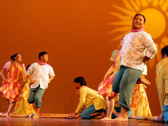 filipino dinner and cultural dance show in manila with hotel pick up
