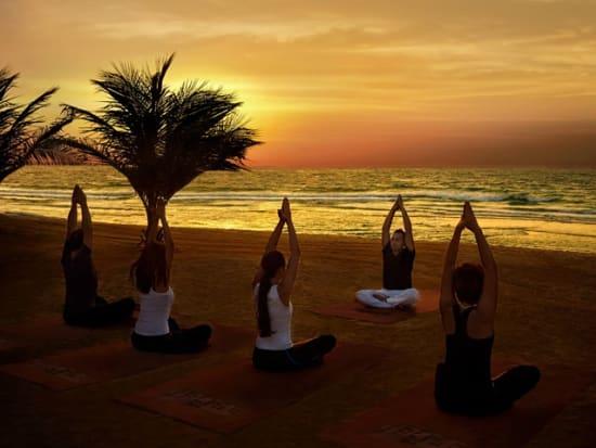 Madinat Jumeirah - Talise Spa - beach sunset yoga