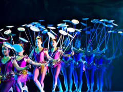 Chinese_Acrobats_and_Shanghai (2)