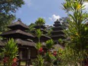 Pura Luhur Batukaru temple__shutterstock (1)