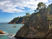 Cliff-Coves-Hiking-4-600x400
