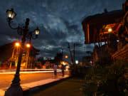 Ubud city at night_98478311
