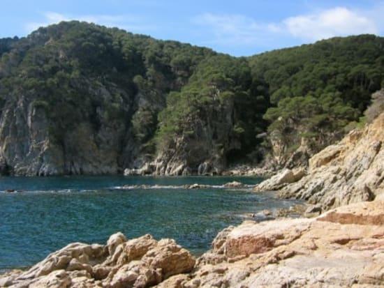 Living-it-Catalunya-discover-hidden-beaches1-588x327