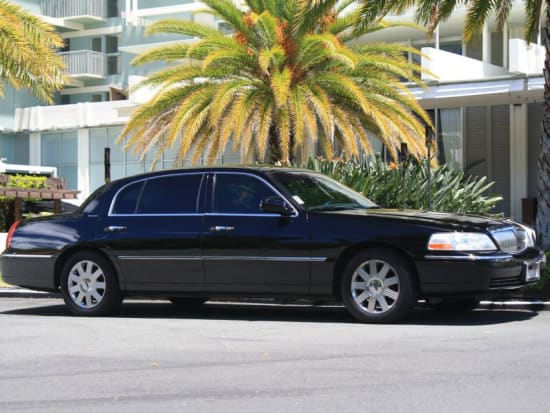 Customize Your Private Circle Island Tour By Platinum Limousine From