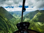 Hawaii_Oahu_Novictor Aviation_Cockpit View
