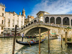 Gondola at the rialto bridge