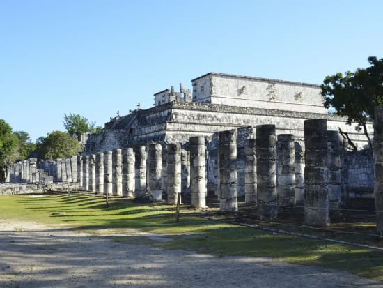 Riviera Maya-Chichen-Itza-Deluxe-Tour-Temple-of the-Warriors-&-the-Thousand-Columns-Group