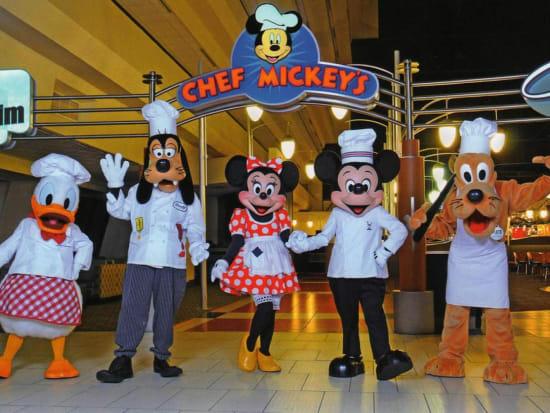 Chef Mickeys Fun Time Buffet Dinner Limousine Ride Orlando Tours