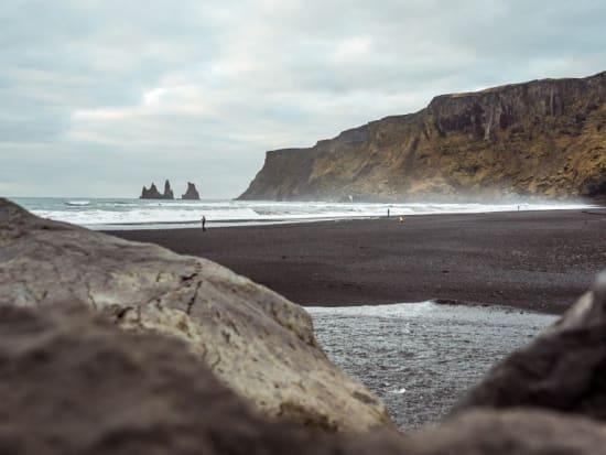 Reynisfjara-South-Coast-Iceland-8-1024x576
