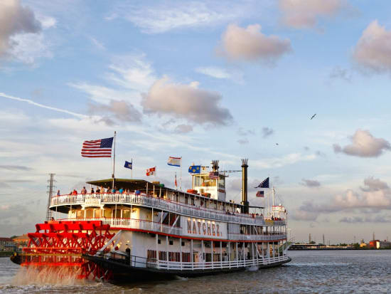 usa_new orleans_steamboat natchez cruise