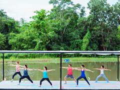 6.Museflower Retreat & Spa Chiang Rai.yoga class on lake