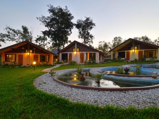 3.Museflower_Retreat&Spa_bungalow_cottages_pond