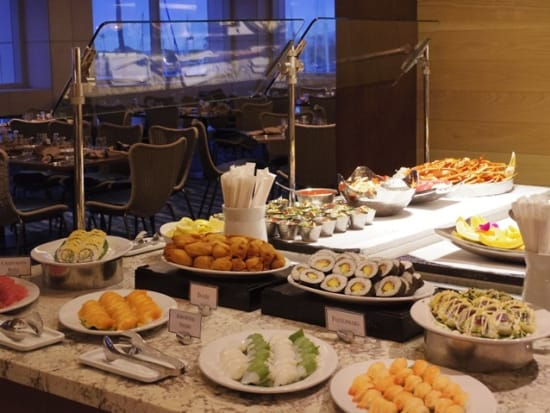 100sails_buffet_SUSHI_small
