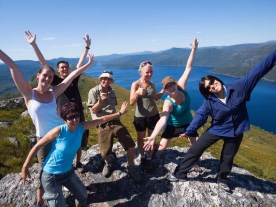 australia_tasmania_lakes_mountains_group