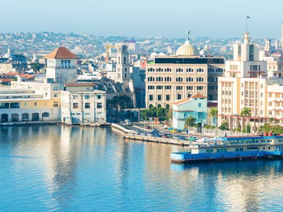 Cuba_Havana_shutterstock_270222236