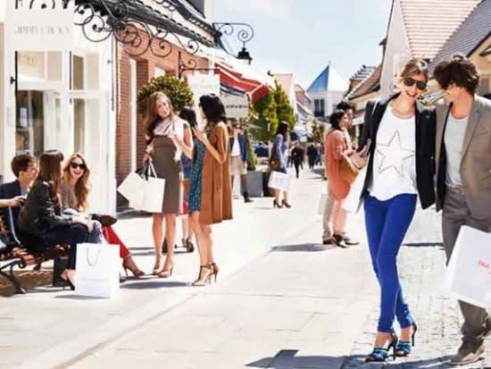 lvs-01-vallee-village-shopping_1_1