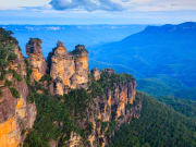 three sisters rock formation blue mountains