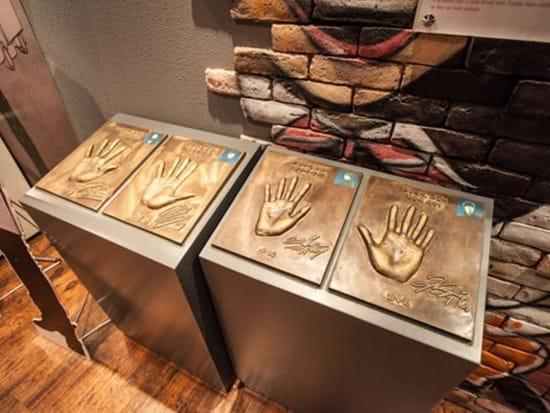 著名な俳優の手形