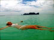 038 relax at Phi Phi