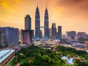 Kuala Lumpur_Skyline_Petronas at late afternoon