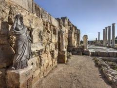 Cyprus_Salamis_Gymnasium_shutterstock_210654010