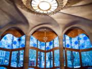 1280px-Casa_Batlló_(Antoni_Gaudi)_(interior),_43,_Passeig_de_Gràcia,_Eixample,_Barcelona,_Catalonia,_Spain