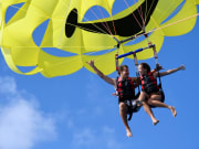 Hawaii_Oahu_H20 Sports_Tandem parasailing