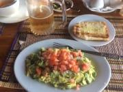 インレー湖名物アボカド料理 イタリアンレストラン ゴールデンカイト