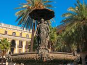 Spain_Barcelona_Plaza Real_shutterstock_88574653