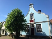 Broek pastelblauw huis