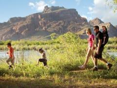 DETOURS_AZ_Mesa_Family Hiking_MCVB (1)