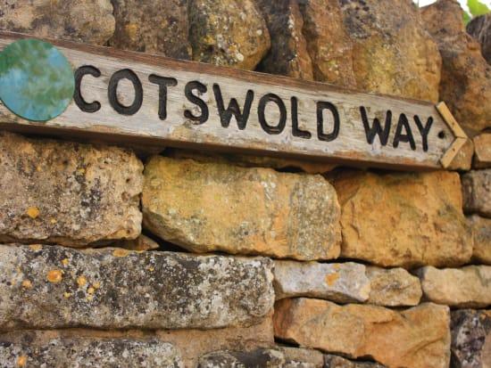 UK_London_Cotswolds_shutterstock_162941033