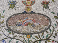 File-Pontifical_Academy_of_Sciences,_Vatican_City_-_Fontana_della_Peschiera_-_Fish_mosaic