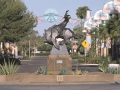 DETOURS-AZ-Experience-Scottsdale-downtown-horse-cowboy (1)
