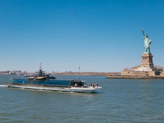 USA_New York_Bateaux Dinner Cruise_Liberty Statue