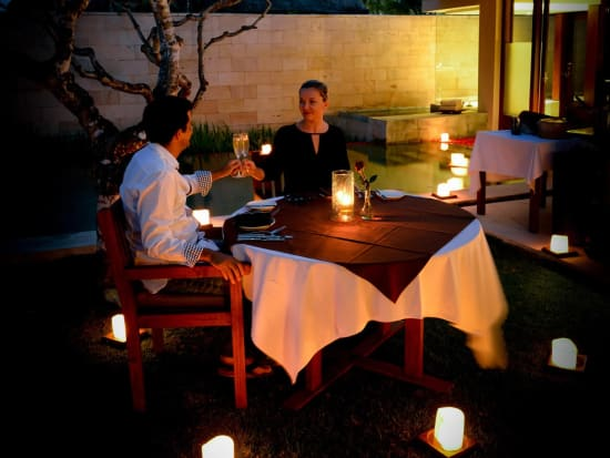 bale-Candle-Lit-Dinner_
