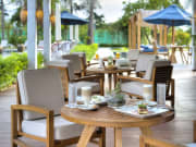 Ana_Beach_House_Patio_dining_Landscape_[6192-LARGE]