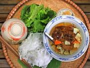 Vietnam_Generic_Meal_shutterstock_606768968