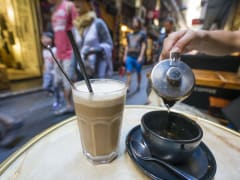 Australia_Melbourne_Laneways_coffee_123RF_50881370_M