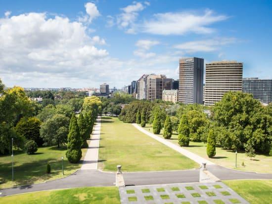 Australia_Melbourne_Shrine_of_Remembrance_123RF_37406900_M