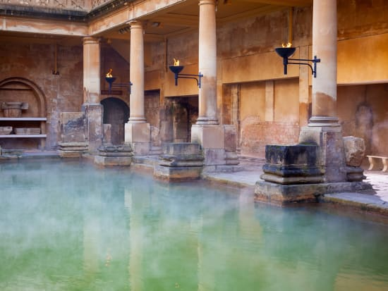 uk_bath_roman_baths_shutterstock_179183834