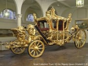 Buckingham_Palace_State_Rooms_and_Royal_Mews_3986_25698