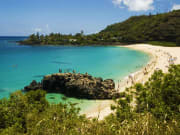 Hawaii_Oahu_Surf Bus_Waimea Bay Beach
