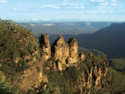 three sisters rock formation greater blue mountain