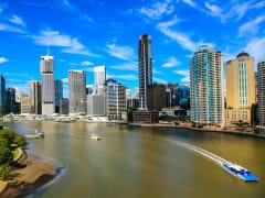 Australia_Brisbane_skyline_shutterstock_379544371