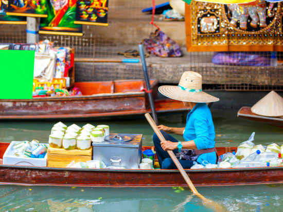 Thailand_Bangkok_Damnoen_Saduak_Floating_Market_shutterstock_435135904