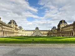 France_Paris_The_Louvre_shutterstock_660771904
