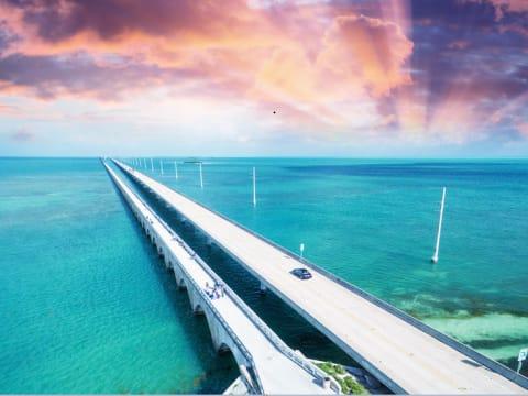 キーウェスト/セブンマイルブリッジ/フロリダキーズ観光ツアー | マイアミの観光・オプショナルツアー専門 VELTRA(ベルトラ)